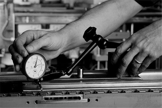 Avanguardia ingegneristica, maestria della manifattura ed intuizione del design ci hanno permesso di consacrare la nostra identità tra le più solide ed innovative nel settore del confezionamento.